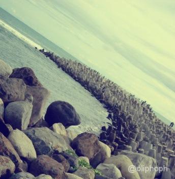 bebatuan pantai