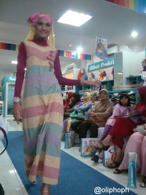 Koleksi Charming with Rainbow