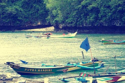 banyak perahu nelayan disini